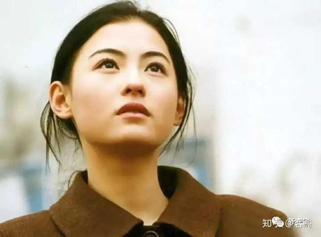 Năm 20 tuổi đã đẹp xuất chúng nhường này, bảo sao Trương Bá Chi vỗ ngực tự tin 'mình chỉ đẹp sau mỗi Lê Tư' - Ảnh 11