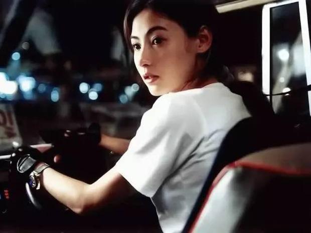 Năm 20 tuổi đã đẹp xuất chúng nhường này, bảo sao Trương Bá Chi vỗ ngực tự tin 'mình chỉ đẹp sau mỗi Lê Tư' - Ảnh 3