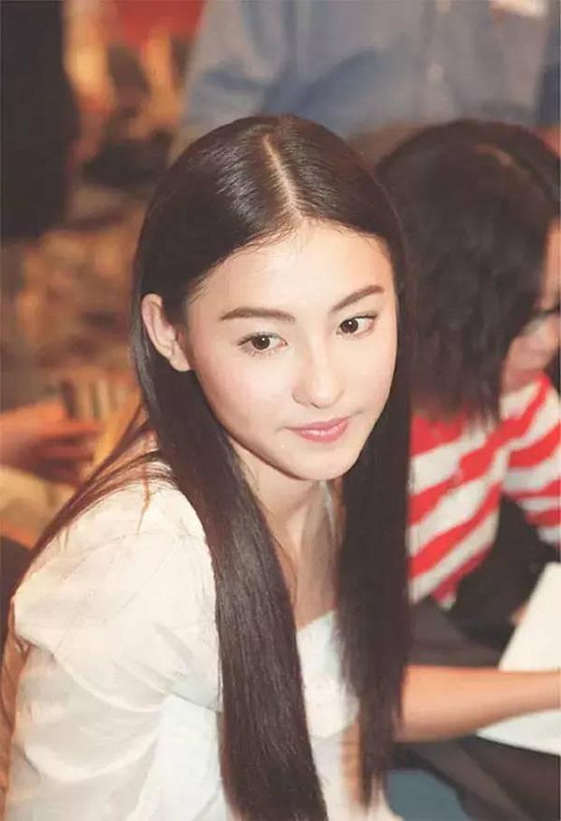 Năm 20 tuổi đã đẹp xuất chúng nhường này, bảo sao Trương Bá Chi vỗ ngực tự tin 'mình chỉ đẹp sau mỗi Lê Tư' - Ảnh 4