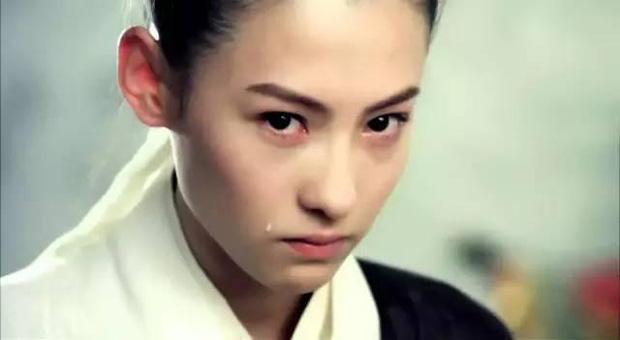 Năm 20 tuổi đã đẹp xuất chúng nhường này, bảo sao Trương Bá Chi vỗ ngực tự tin 'mình chỉ đẹp sau mỗi Lê Tư' - Ảnh 8