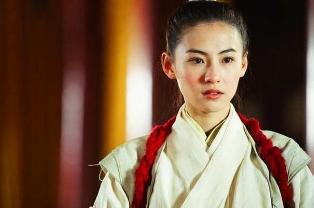 Năm 20 tuổi đã đẹp xuất chúng nhường này, bảo sao Trương Bá Chi vỗ ngực tự tin 'mình chỉ đẹp sau mỗi Lê Tư' - Ảnh 10