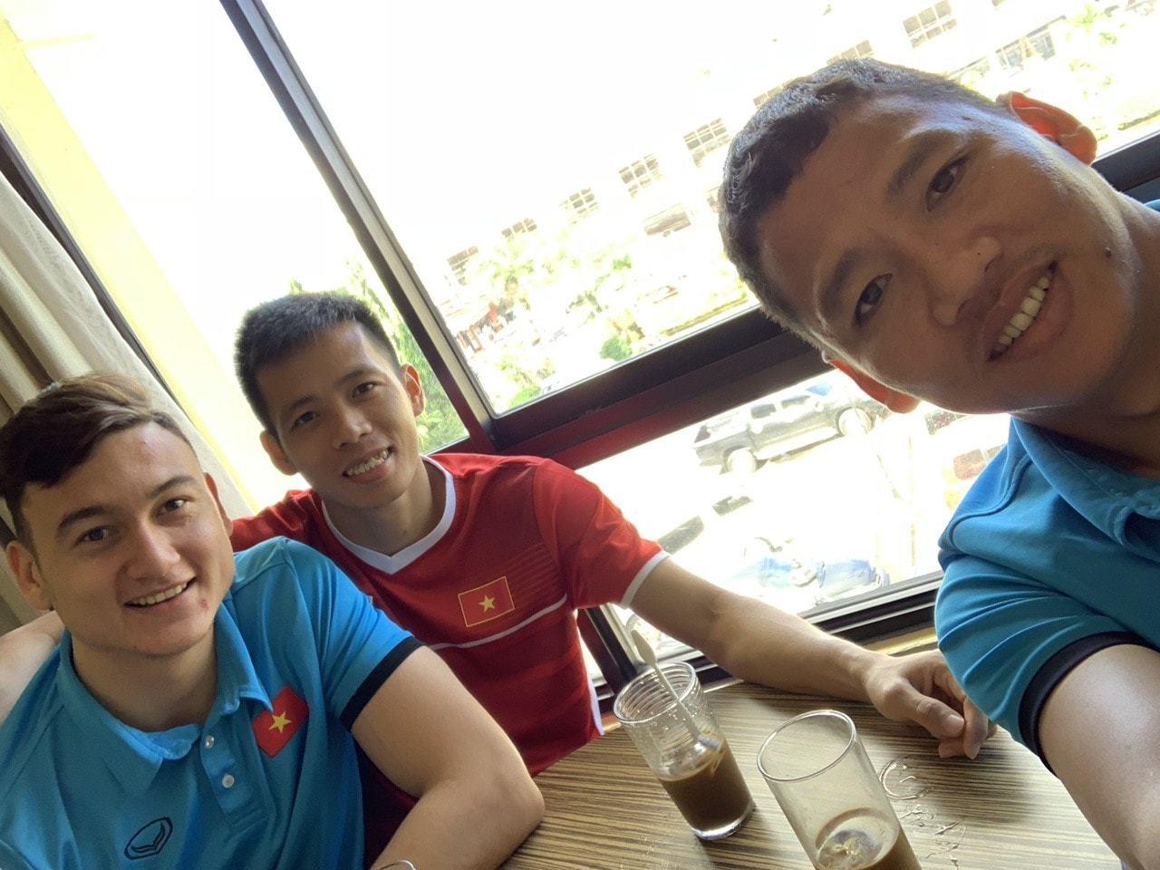 Bóng hồng giỏi giang sau Anh Đức AFF Cup 2018 - Ảnh 3