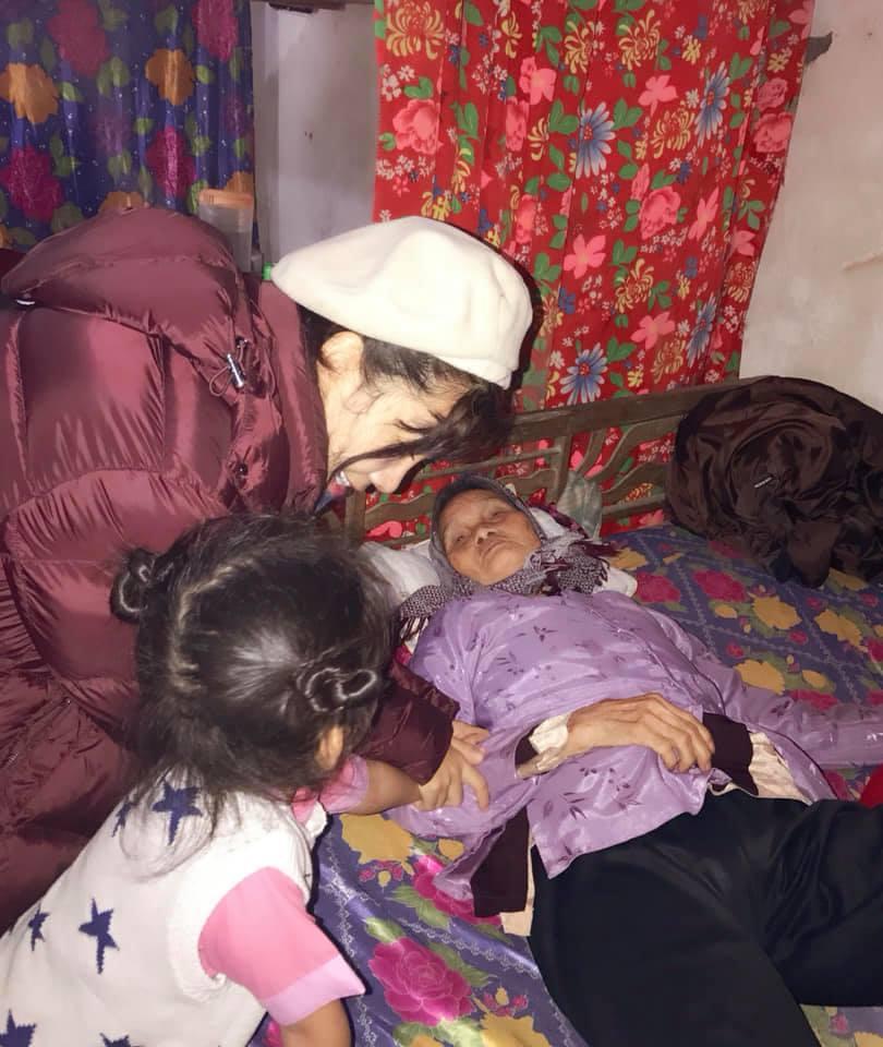 Rơi nước mắt với lời cầu nguyện của con gái Mai Phương dành cho mẹ đang mắc bệnh ung thư - Ảnh 4