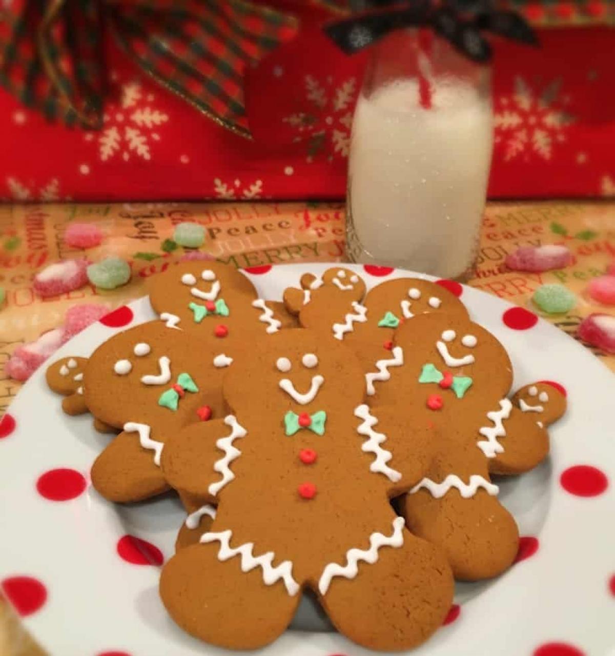 Bánh quy gừng thơm ngon giòn tan trong ngày lễ Giáng sinh