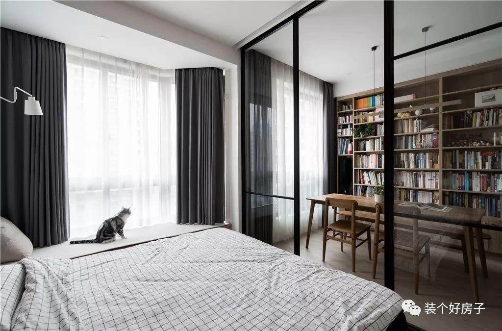 Căn hộ 60m² 'ghi điểm' với cách thiết kế và bố trí nội thất rất khoa học của cặp vợ chồng trẻ - Ảnh 12