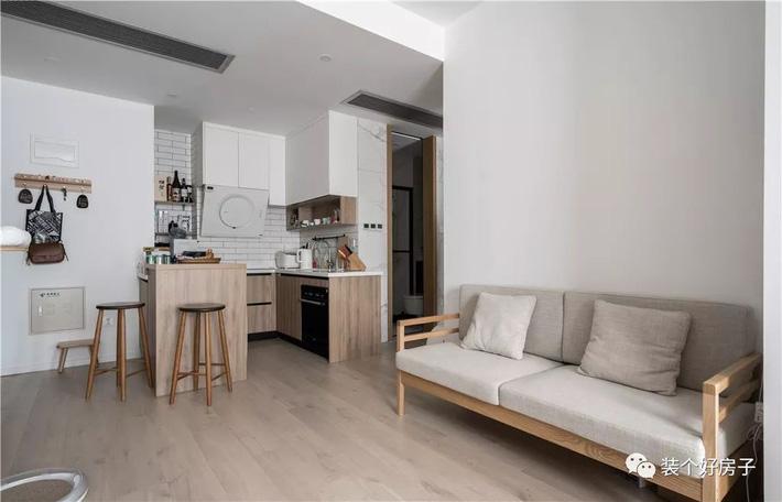 Căn hộ 60m² 'ghi điểm' với cách thiết kế và bố trí nội thất rất khoa học của cặp vợ chồng trẻ - Ảnh 8