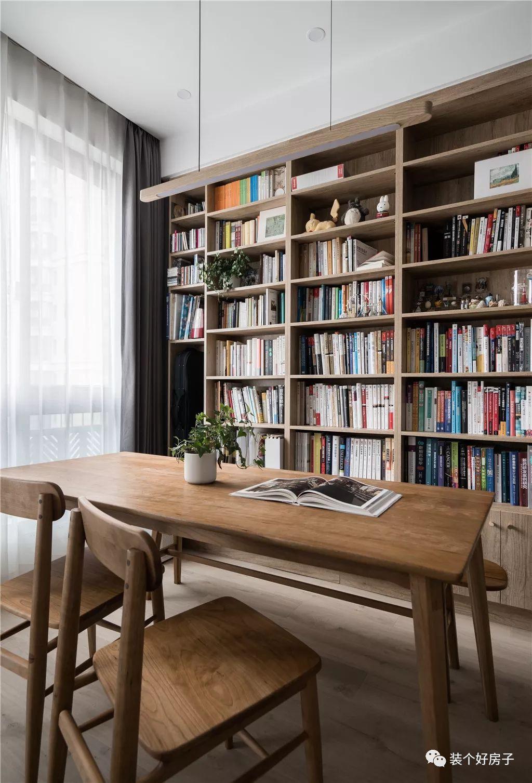 Căn hộ 60m² 'ghi điểm' với cách thiết kế và bố trí nội thất rất khoa học của cặp vợ chồng trẻ - Ảnh 9