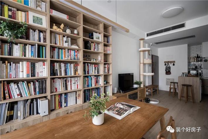 Căn hộ 60m² 'ghi điểm' với cách thiết kế và bố trí nội thất rất khoa học của cặp vợ chồng trẻ - Ảnh 10