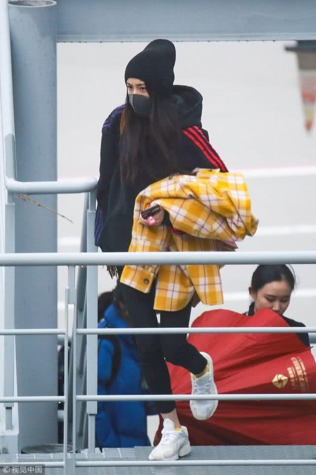 Từng là 'nữ hoàng thời trang sân bay' nhưng giờ đây Dương Mịch lại khiến fan xót xa thế này đây - Ảnh 5