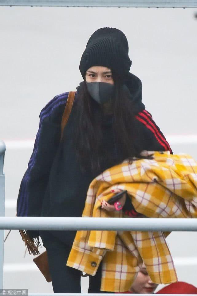 Từng là 'nữ hoàng thời trang sân bay' nhưng giờ đây Dương Mịch lại khiến fan xót xa thế này đây - Ảnh 6