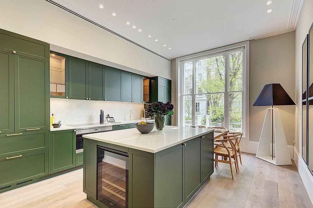 Những gam xanh tối màu tuyệt đẹp cho căn bếp hiện đại: Sạch, nổi bật và sang trọng khi kết hợp khéo léo với gam màu trắng và ánh sáng đèn trang trí - Ảnh 3