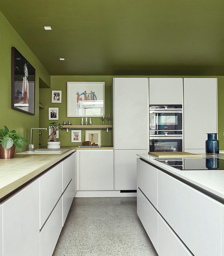 Những gam xanh tối màu tuyệt đẹp cho căn bếp hiện đại: Sạch, nổi bật và sang trọng khi kết hợp khéo léo với gam màu trắng và ánh sáng đèn trang trí - Ảnh 7