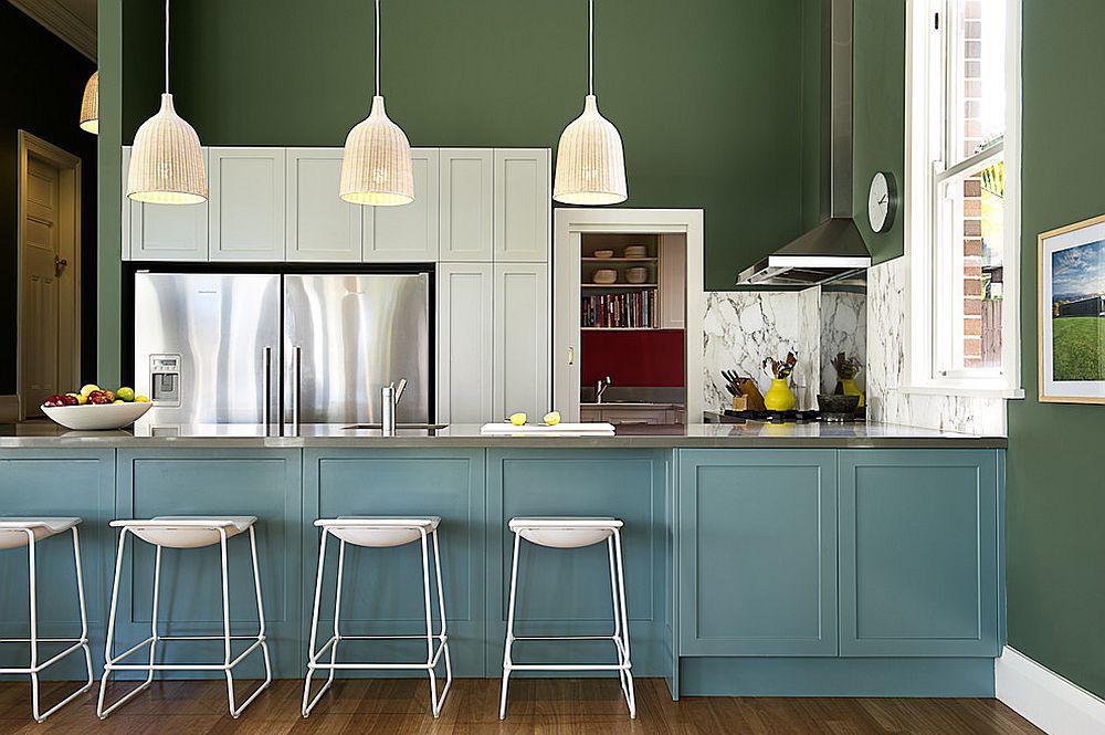 Những gam xanh tối màu tuyệt đẹp cho căn bếp hiện đại: Sạch, nổi bật và sang trọng khi kết hợp khéo léo với gam màu trắng và ánh sáng đèn trang trí - Ảnh 12