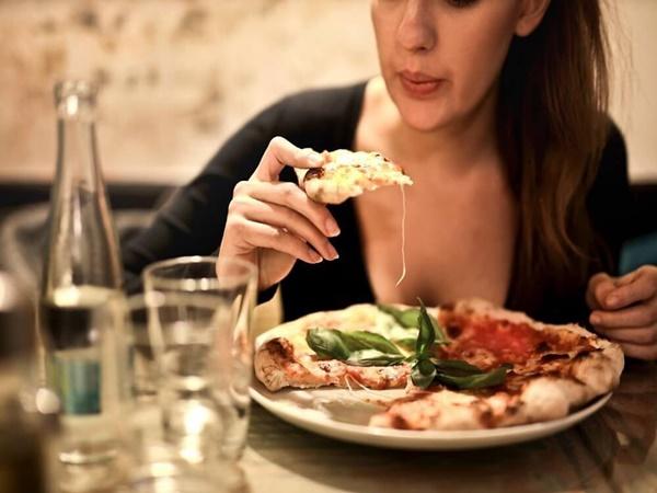 Hiệp hội Ung thư Hoa Kỳ cảnh báo: Nữ giới có nguy cơ mắc bệnh ung thư dạ dày cao nếu gặp phải những triệu chứng sau - Ảnh 4