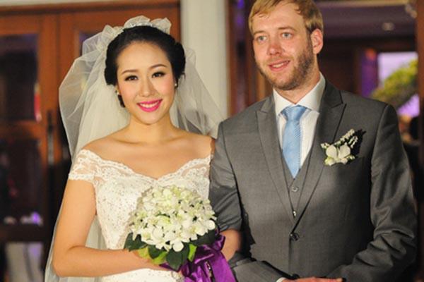 Sau nỗi đau bị sảy thai, Hoa hậu Ngô Phương Lan vừa sinh con đầu lòng với chồng Tây - Ảnh 2