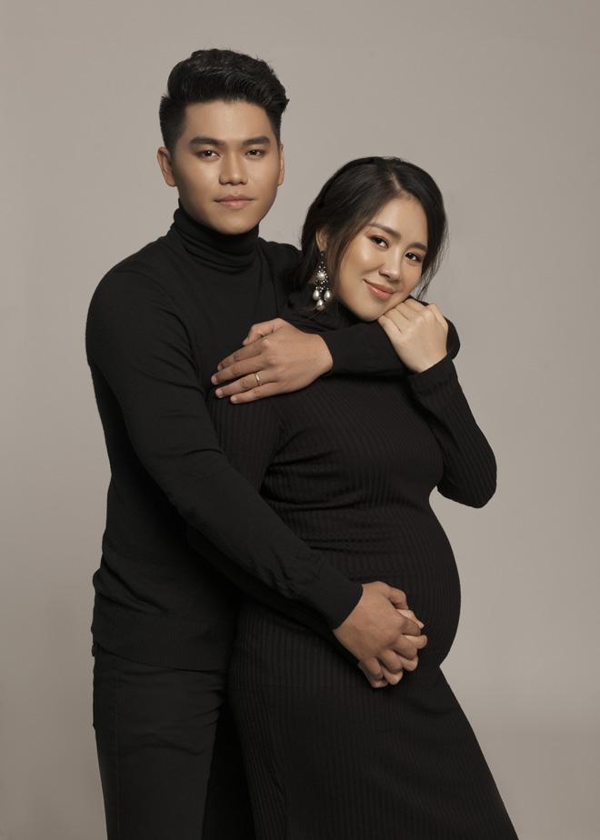 """Lê Phương tiết lộ """"vỡ kế hoạch"""", sắp sinh con thứ 2 với chồng kém tuổi - Ảnh 1"""