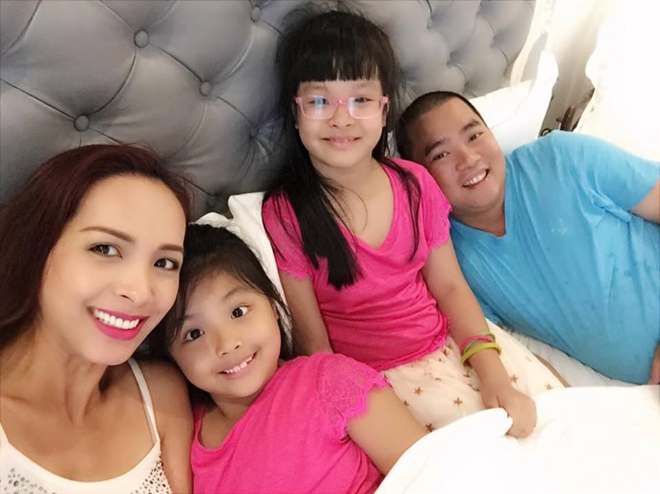 Choáng ngợp với cuộc sống sang chảnh trong căn biệt thự triệu đô của vợ chồng Thúy Hạnh - Minh Khang - Ảnh 1