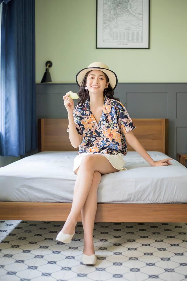12 gợi ý phối đồ mùa hè cực trẻ trung, thời thượng cho phụ nữ U40 diện đi du lịch - Ảnh 12