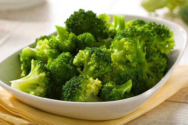 8 loại thực phẩm giúp ngăn ngừa tác hại của tia UV lên da - Ảnh 2