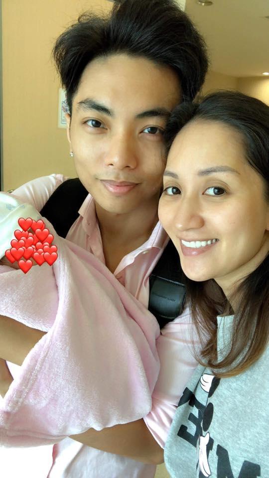 Phan Hiển xúc động đón con gái về nhà sau 3 tuần cách ly, Khánh Thi tiết lộ điều bất ngờ - Ảnh 2