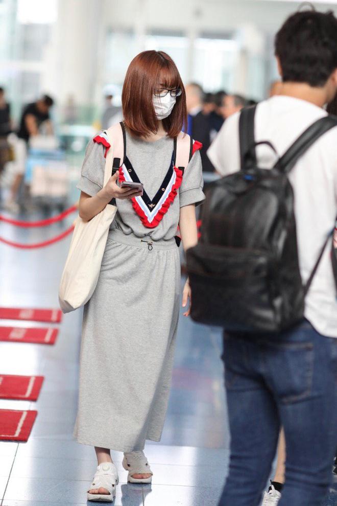 Lột xác từ style Nhật 'thắm thơm' sang style Hàn cá tính, Sakura (IZ*ONE) khiến netizen phải trầm trồ không ngớt - Ảnh 3