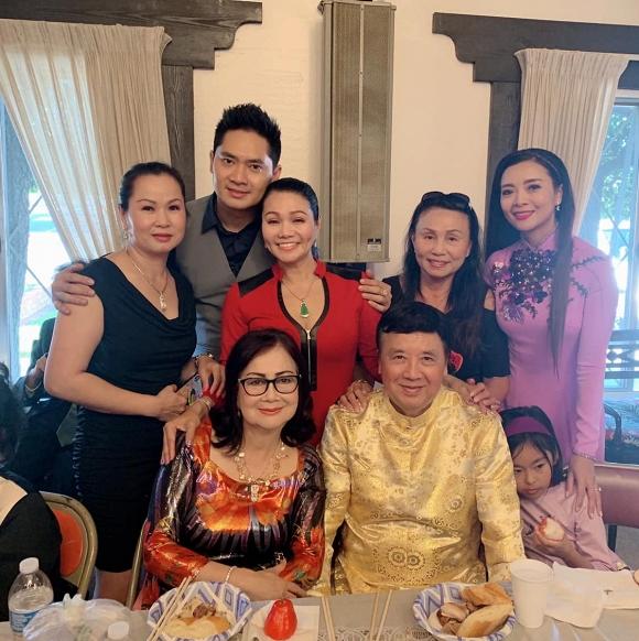 Minh Luân mang di ảnh cố nghệ sĩ Anh Vũ dự lễ giỗ tổ sân khấu ở Mỹ - Ảnh 2