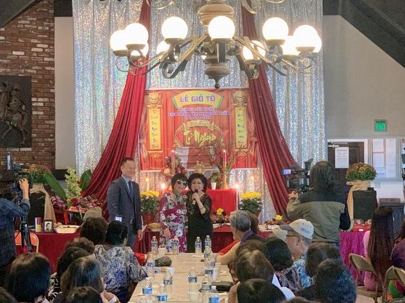 Minh Luân mang di ảnh cố nghệ sĩ Anh Vũ dự lễ giỗ tổ sân khấu ở Mỹ - Ảnh 6