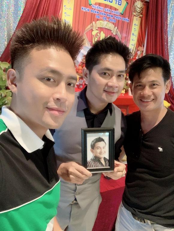 Minh Luân mang di ảnh cố nghệ sĩ Anh Vũ dự lễ giỗ tổ sân khấu ở Mỹ - Ảnh 10