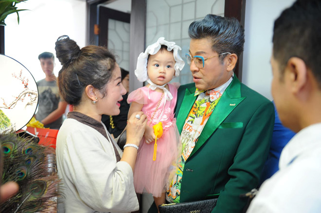 Minh Nhí, Thanh Bạch đến dâng hương Tổ nghề ở nhà Thúy Nga - Ảnh 2