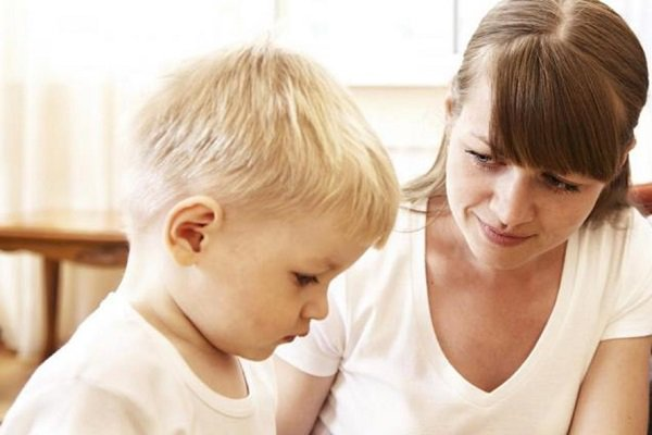 Trẻ chậm nói khi mới biết đi: 18 điều cha mẹ có thể giúp bé - Ảnh 1