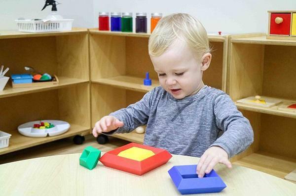 Trẻ chậm nói khi mới biết đi: 18 điều cha mẹ có thể giúp bé - Ảnh 2