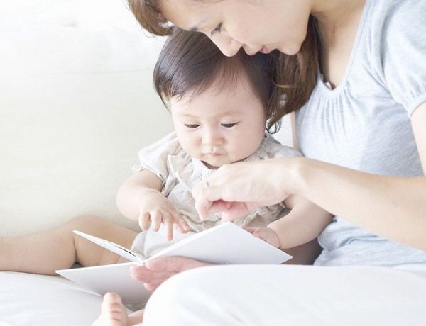 Trẻ chậm nói khi mới biết đi: 18 điều cha mẹ có thể giúp bé - Ảnh 3