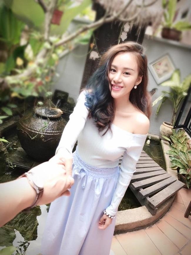 Bà Tưng hào hứng khoe bạn trai U40 'khỏe như voi' hơn hẳn trai 18 - Ảnh 3