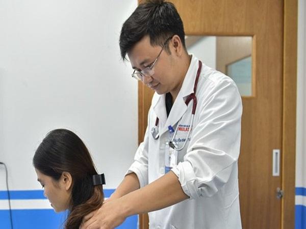 """Bác sĩ """"bật mí"""" 3 cách đơn giản giảm đau nửa đầu mà không cần uống thuốc"""