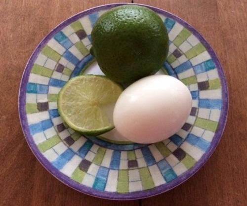 Bận rộn lại lười làm đẹp, chỉ cần công thức từ 1 quả chanh + 1 quả trứng đủ để làn da trắng, mịn màng bất ngờ - Ảnh 1