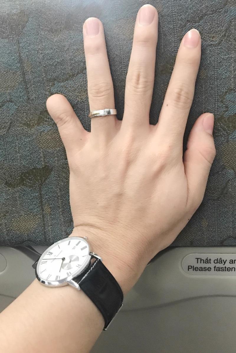 Bảo Duy đăng hình đeo nhẫn cưới và úp mở ảnh cô dâu sau khi ly hôn Phi Thanh Vân - Ảnh 3