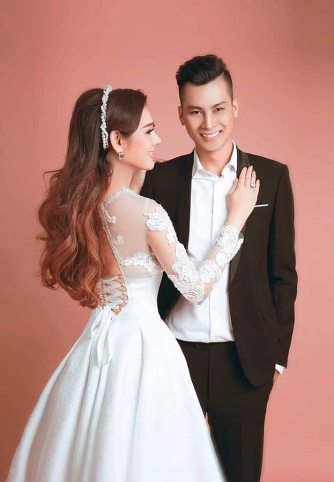 Lâm Khánh Chi xinh đẹp, quyến rũ 'quên tuổi' bên ông xã điển trai - Ảnh 12