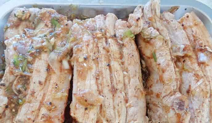 Cách làm thịt rim nước dừa cuốn bánh tráng siêu ngon cho mâm cơm ngày Tết thêm phong phú - Ảnh 3