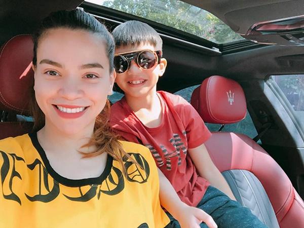 Hồ Ngọc Hà không chạy show, dành thời gian ăn Tết cùng gia đình