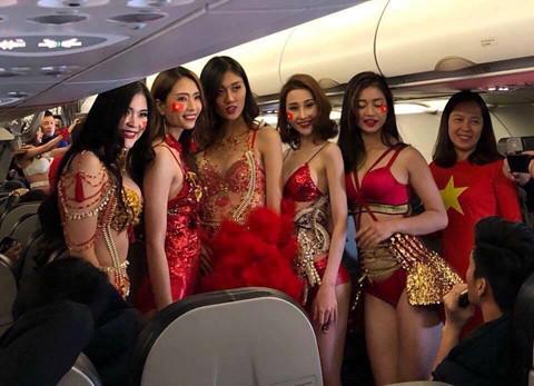Lại Thanh Hương: 'Giấy tờ và trang phục bikini do Vietjet cung cấp' - Ảnh 1