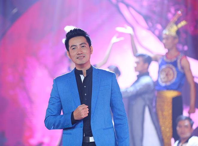 Quản lý tiết lộ Nguyễn Phi Hùng suốt 20 năm yêu ai đều 'bị đá' - Ảnh 1
