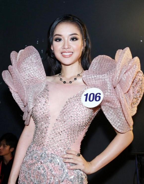 Khi U23 Việt Nam nổi như cồn, cụm từ 'cô gái showbiz' cũng hot không tưởng - Ảnh 5