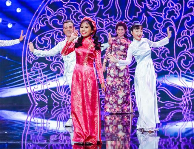 Phương Mỹ Chi diện váy áo người lớn nhảy điêu luyện trên sân khấu - Ảnh 6