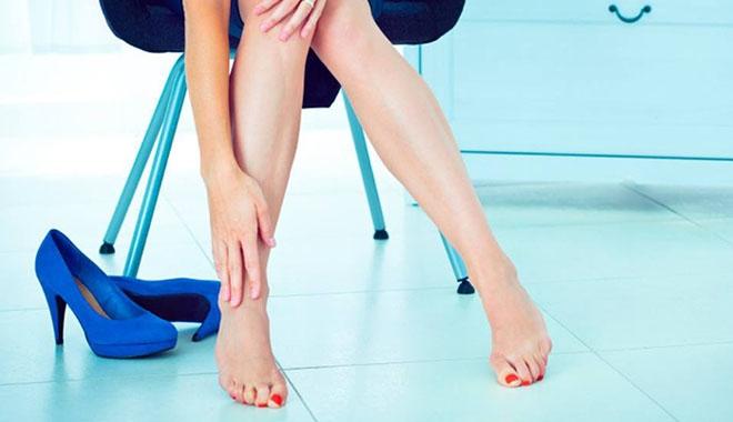 99% phụ nữ không hề biết những tác hại đáng sợ này của việc mang giày cao gót - Ảnh 1