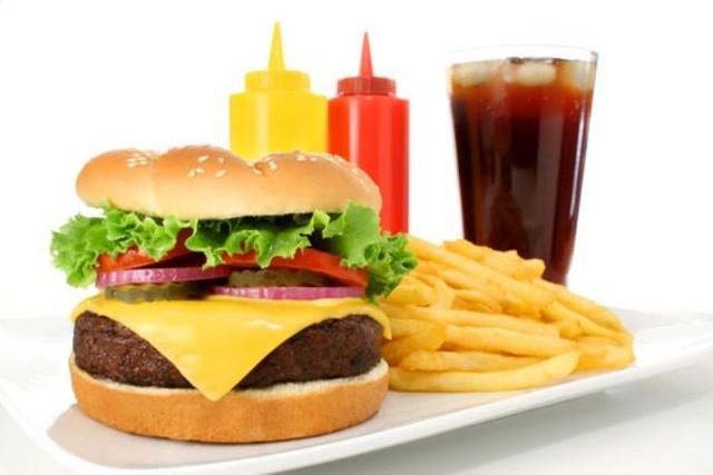 Giật mình trước những thực phẩm quen thuộc càng ăn vòng 1 càng nhỏ - Ảnh 2