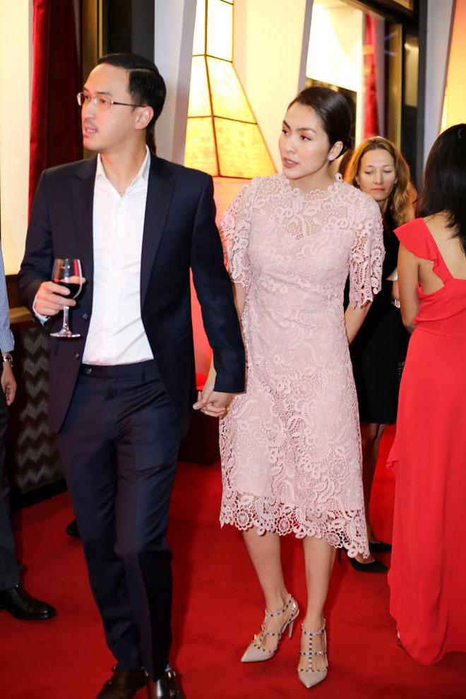 Đến Việt Nam, vợ chồng 'Thần điêu đại hiệp' trông xuống sắc ở tuổi U50 - Ảnh 7