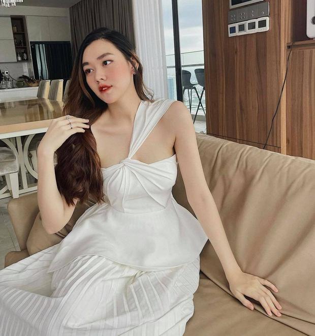Á hậu Tường San lộ diện hậu sinh con đầu lòng, nhan sắc mẹ bỉm sữa cực 'ổn áp' nhưng netizen chỉ chú ý đến điểm này! - Ảnh 2