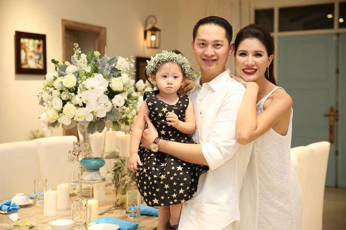 Các sao Việt tặng quà tiền tỉ cho con: Nhật Kim Anh tậu biệt thự 'khủng', chồng cũ Lệ Quyên chi tận 30 tỉ để mua quà cho quý tử - Ảnh 5