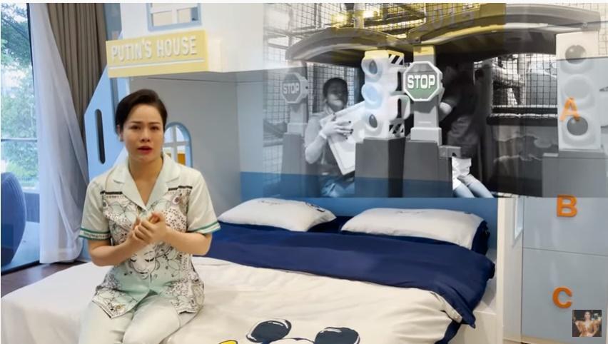 Các sao Việt tặng quà tiền tỉ cho con: Nhật Kim Anh tậu biệt thự 'khủng', chồng cũ Lệ Quyên chi tận 30 tỉ để mua quà cho quý tử - Ảnh 1