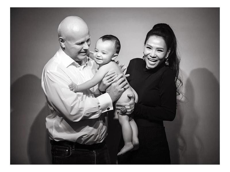 Các sao Việt tặng quà tiền tỉ cho con: Nhật Kim Anh tậu biệt thự 'khủng', chồng cũ Lệ Quyên chi tận 30 tỉ để mua quà cho quý tử - Ảnh 6